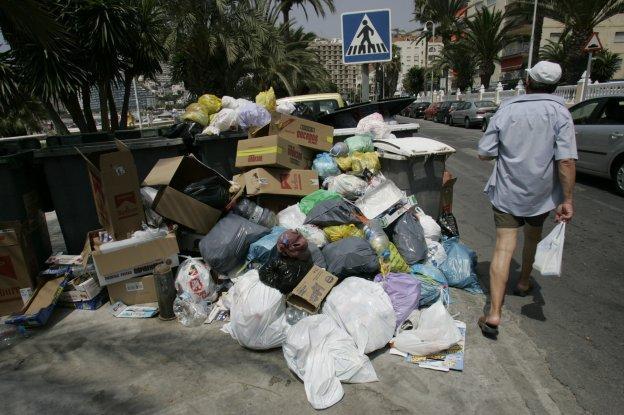 Almuñécar zanja tras una década su pleito millonario con la antigua empresa de basuras